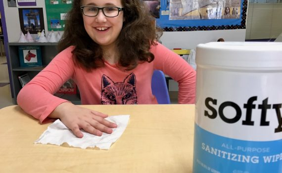 Softy Wipes are perfect for combatting pesky germs in flu season. Full story at www.cookwith5kids.com