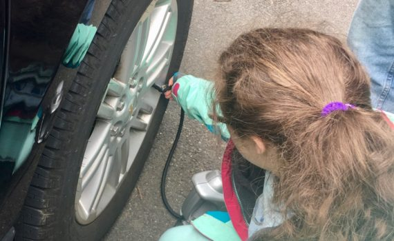 Winter car care tips at www.cookwith5kids.com
