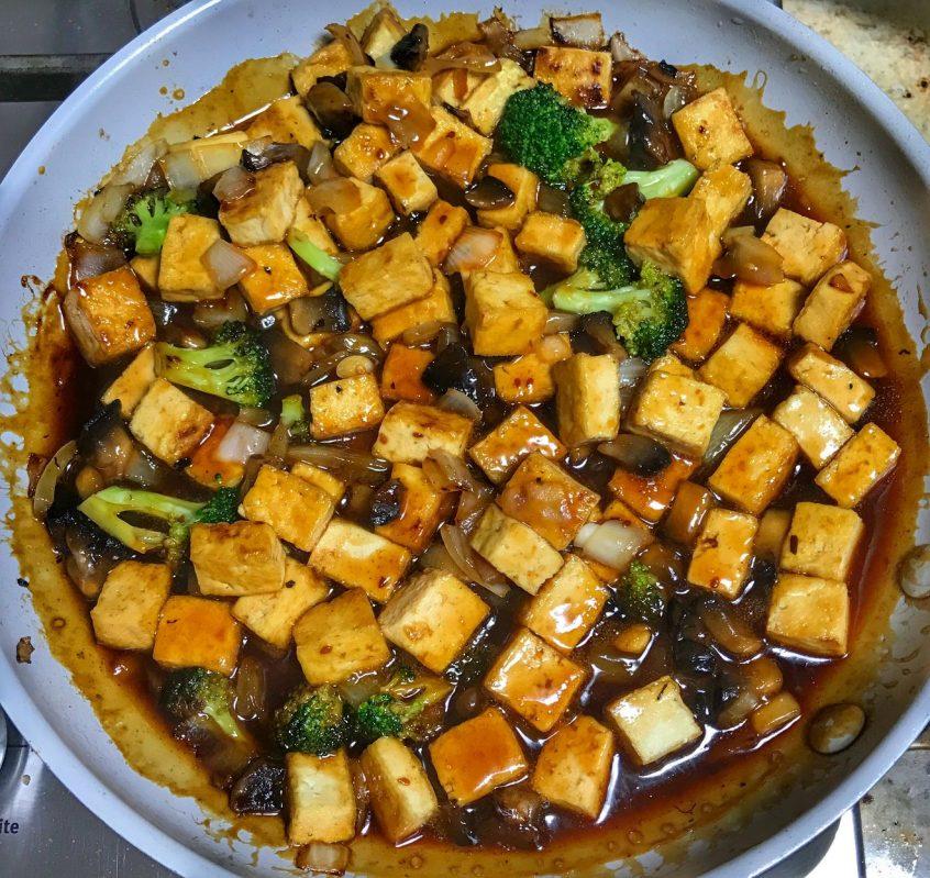 Teriyaki Tofu with Seeds of Change simmer sauce from www.cookwith5kids.com