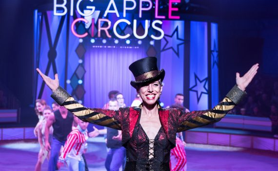 2 - Ringmaster Stephanie Monseu in BIG APPLE CIRCUS (c) Juliana Crawford