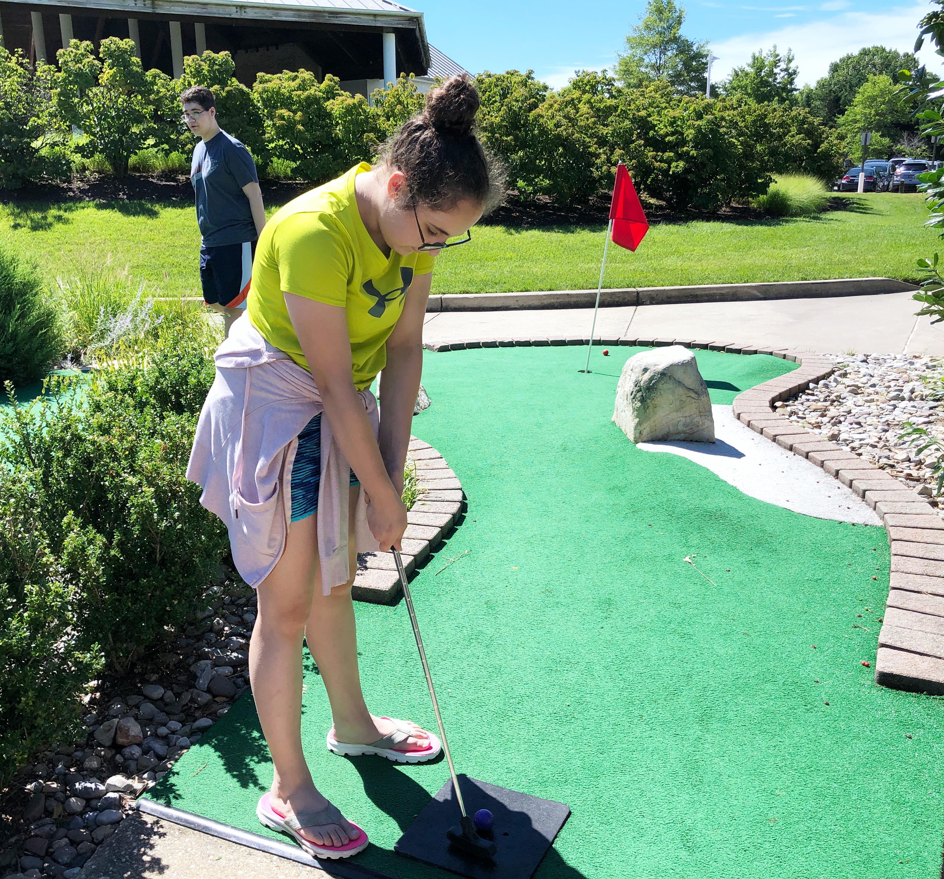 free mini golf at the hyatt chesapeake