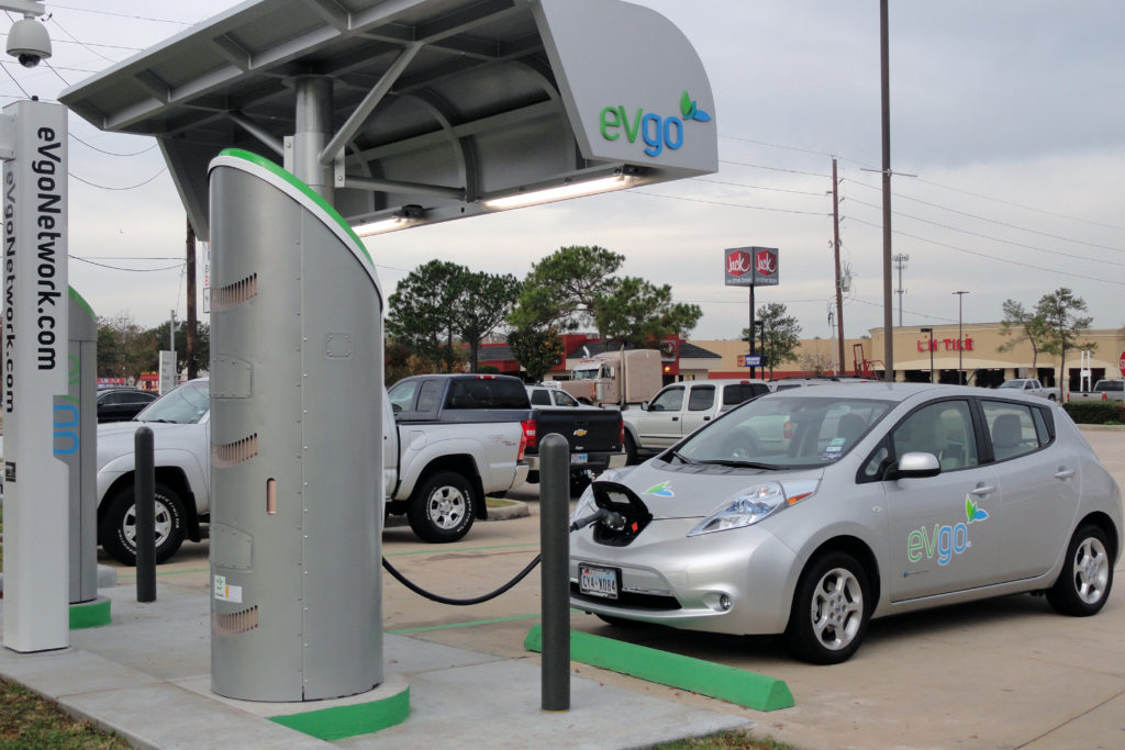 Is an electric vehicle right for you? Check out the full post at www.cookwith5kids.com