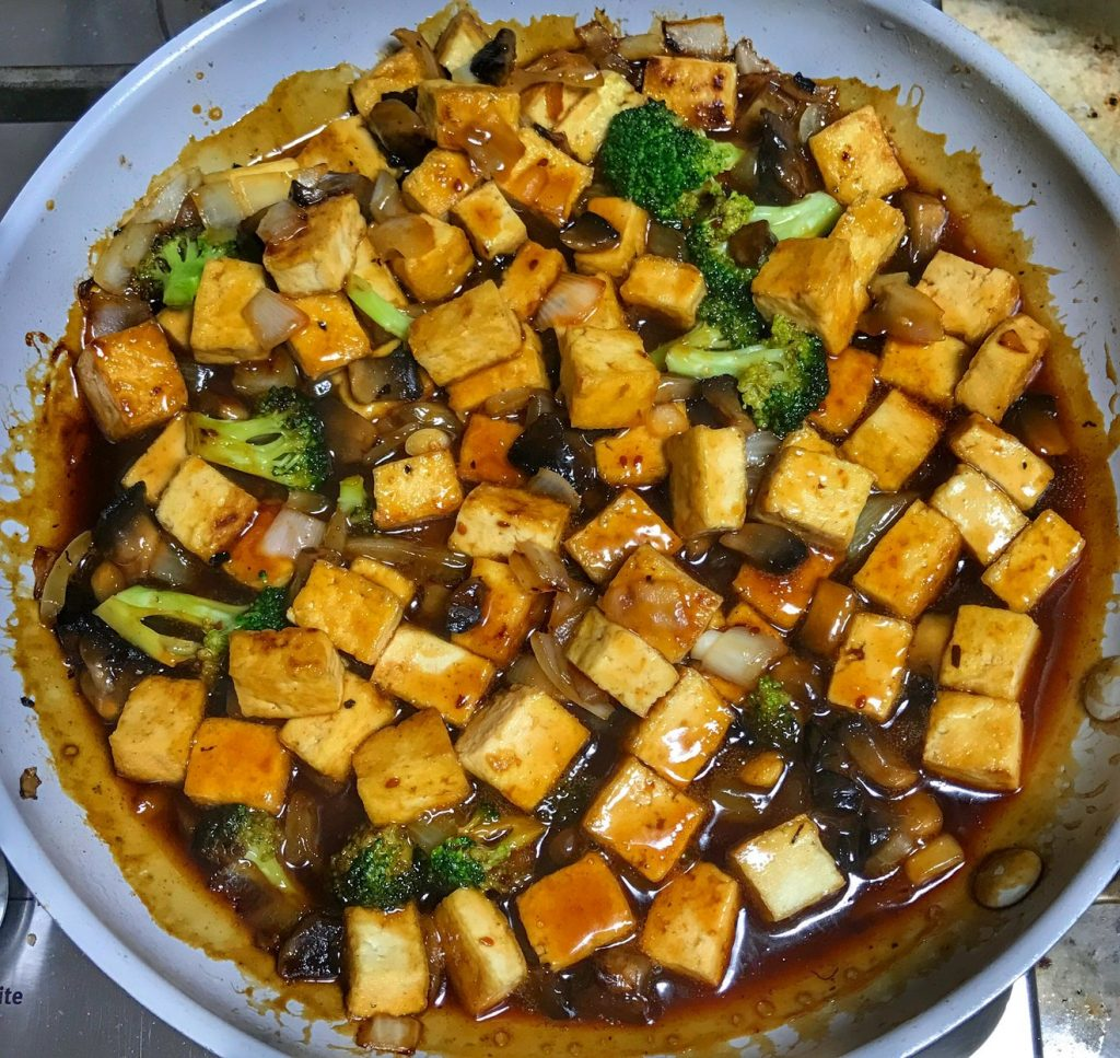 Teriyaki Tofu with Seeds of Change simmer sauce from www.cookwith5kids.com