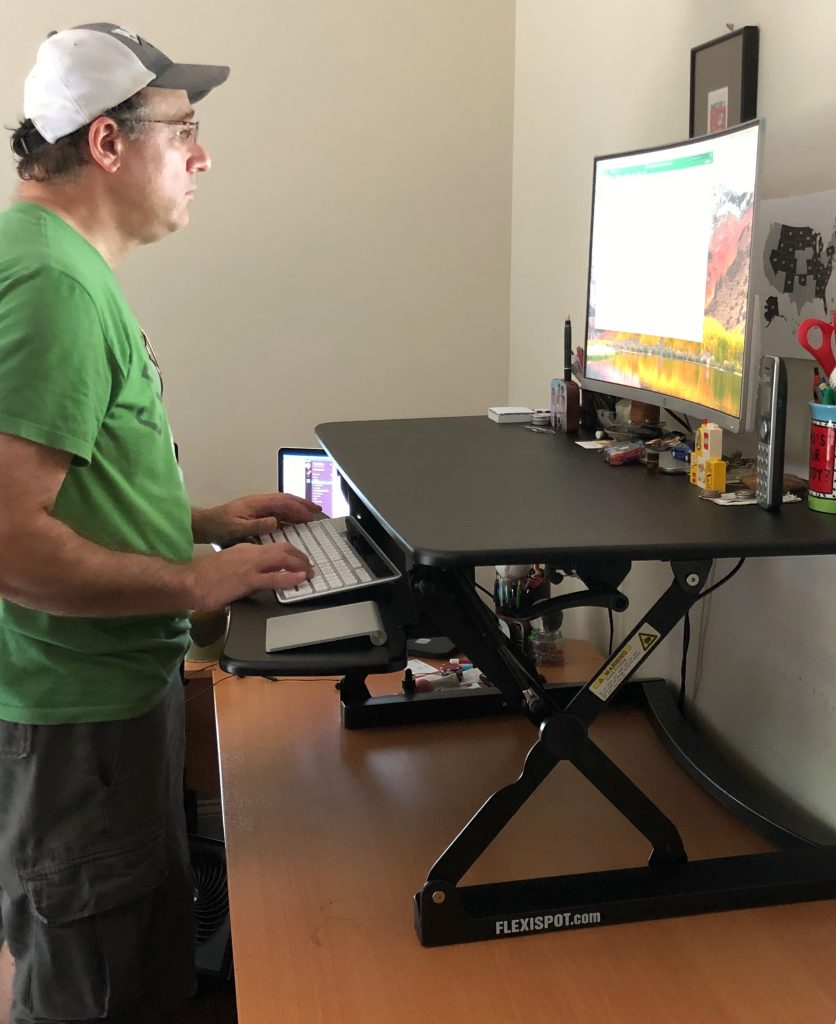 Flexispot standing desk makes a great gift for Dad on Father's day