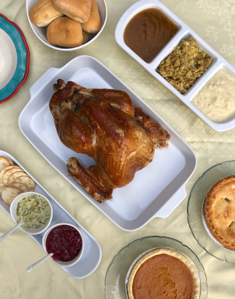 Roasted turkey and sides for any easy thanksgiving from Boston Market #ad #BostonMarketHoliday