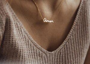 capsul amor necklace