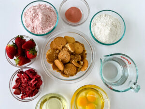 ingredients for strawberry crunch cake